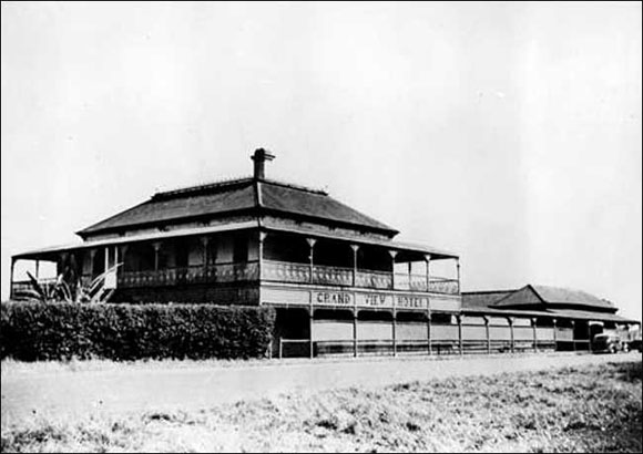 Grand View Hotel, Cleveland, Queensland. circa - 1930